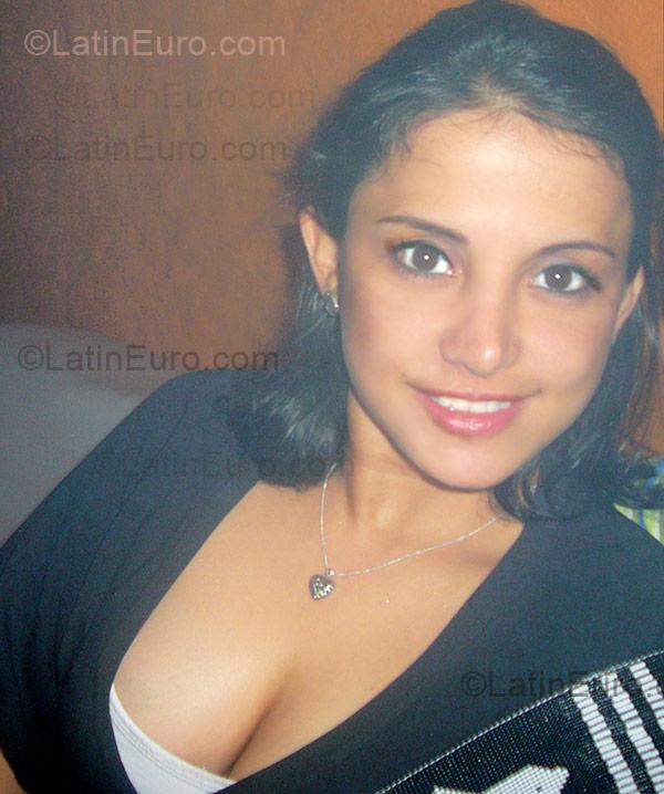 Anastasia Date Amo Latina